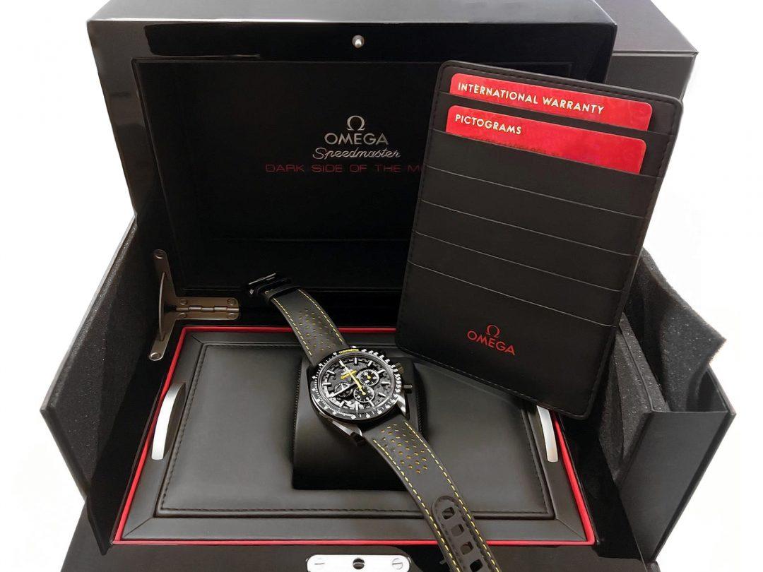 Omega-Speedmaster-44.25-Black-11
