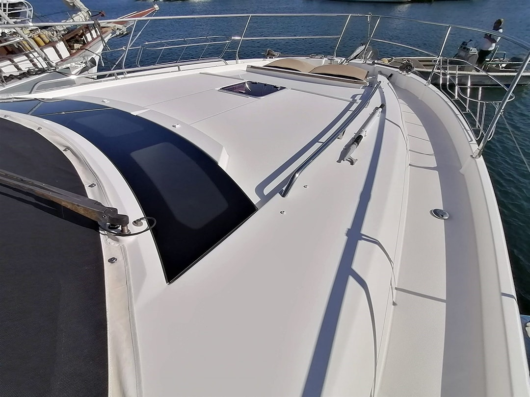 Prestige-Yachts-60-10