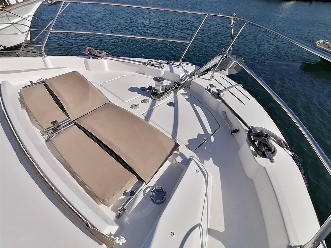 Prestige-Yachts-60-12