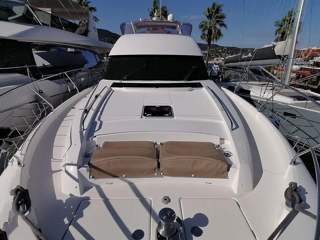 Prestige-Yachts-60-14