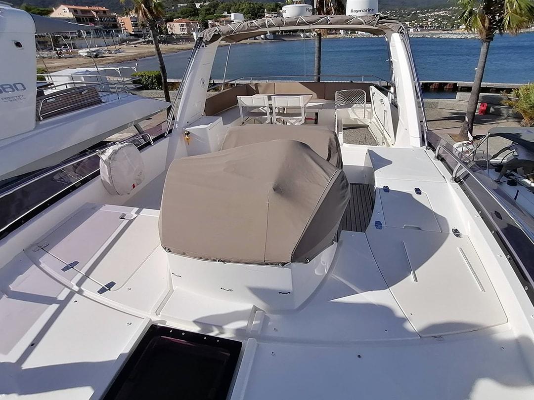 Prestige-Yachts-60-15