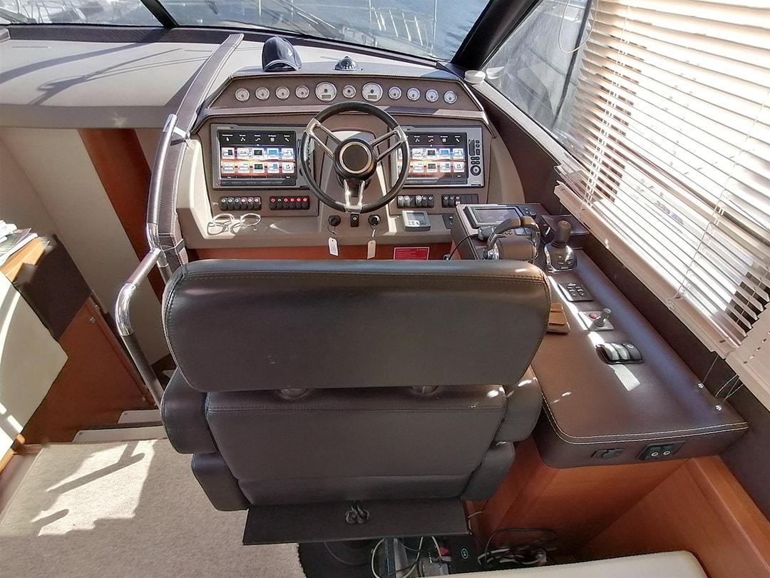 Prestige-Yachts-60-16