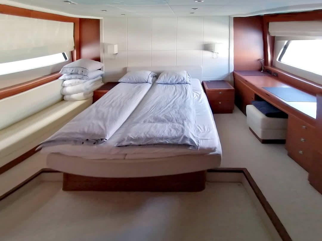 Prestige-Yachts-60-4