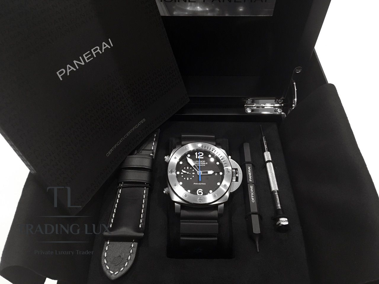 Panerai-Submersible-Chrono-PAM00614-11