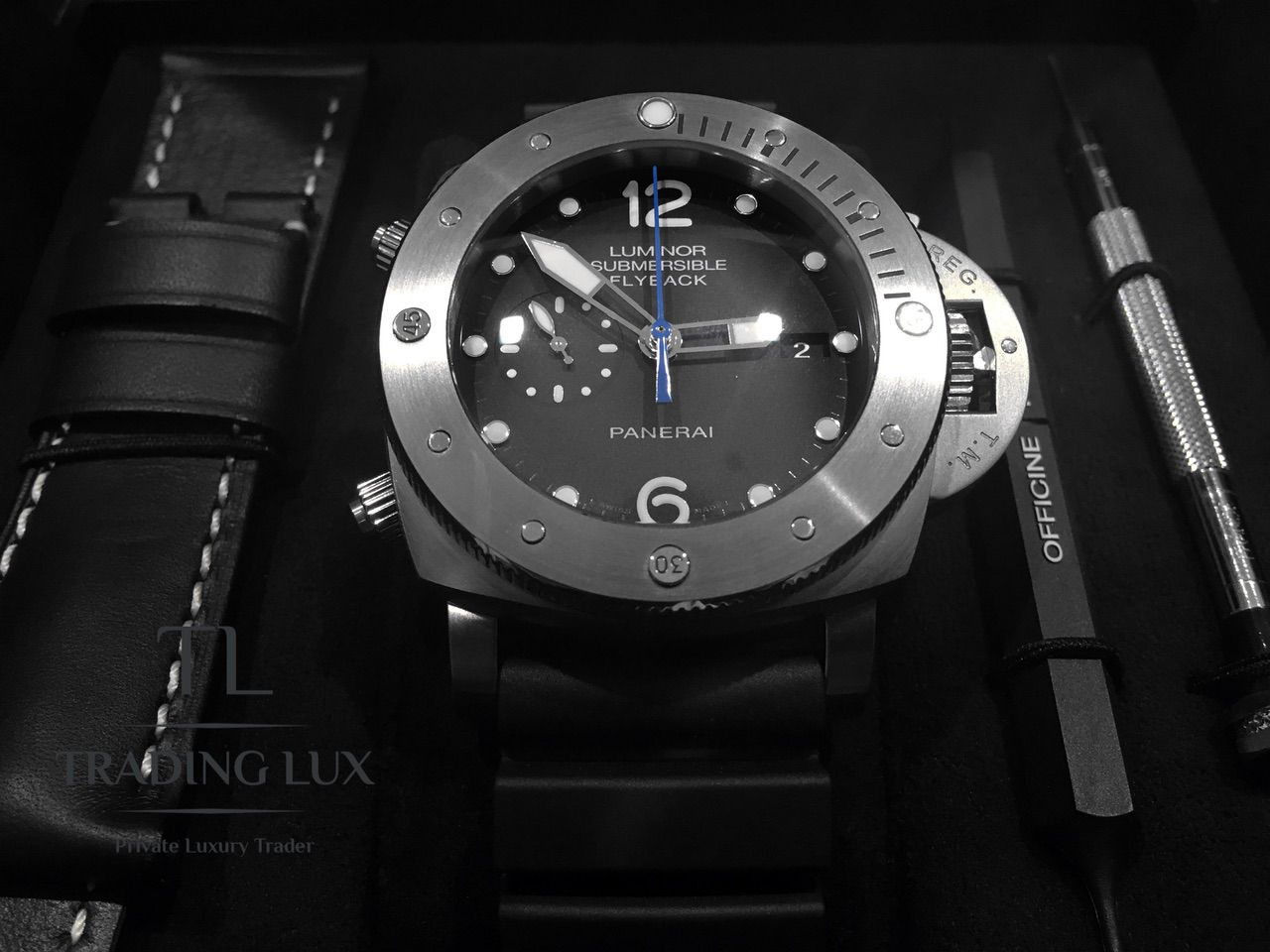 Panerai-Submersible-Chrono-PAM00614-17