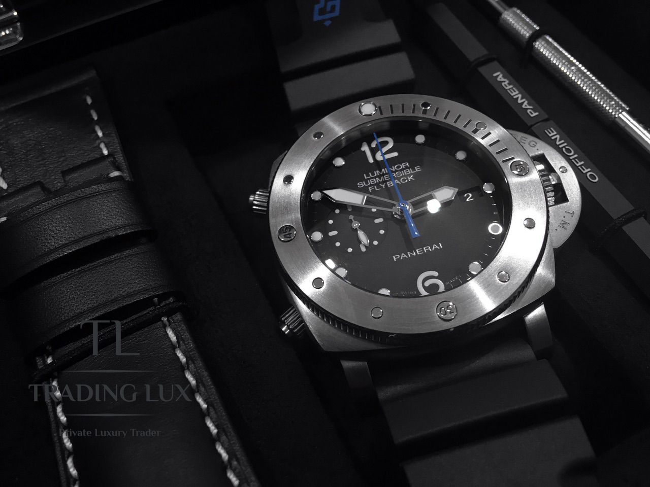 Panerai-Submersible-Chrono-PAM00614-6