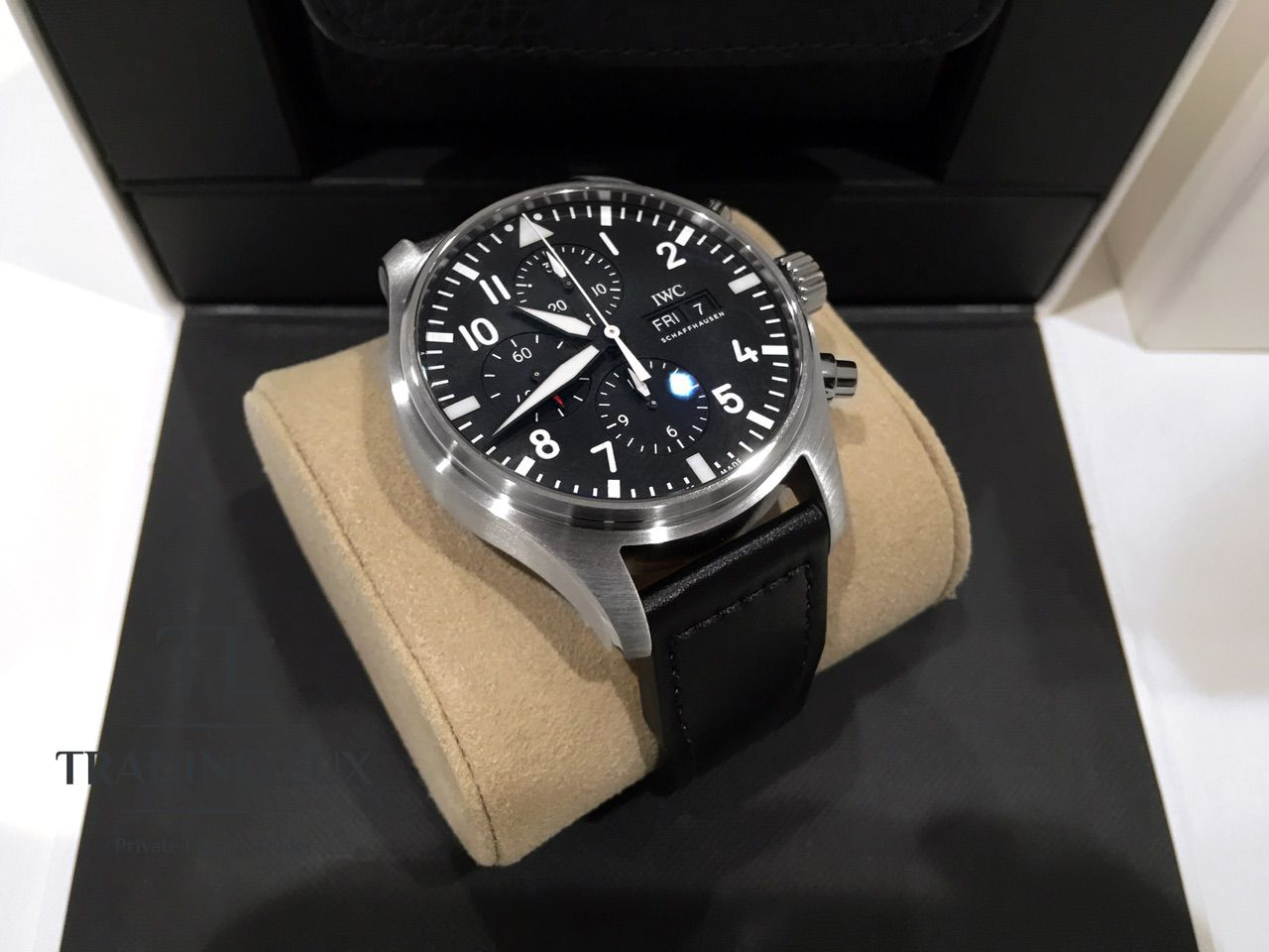 IWC-Pilot-Chronograph-IW377709-11
