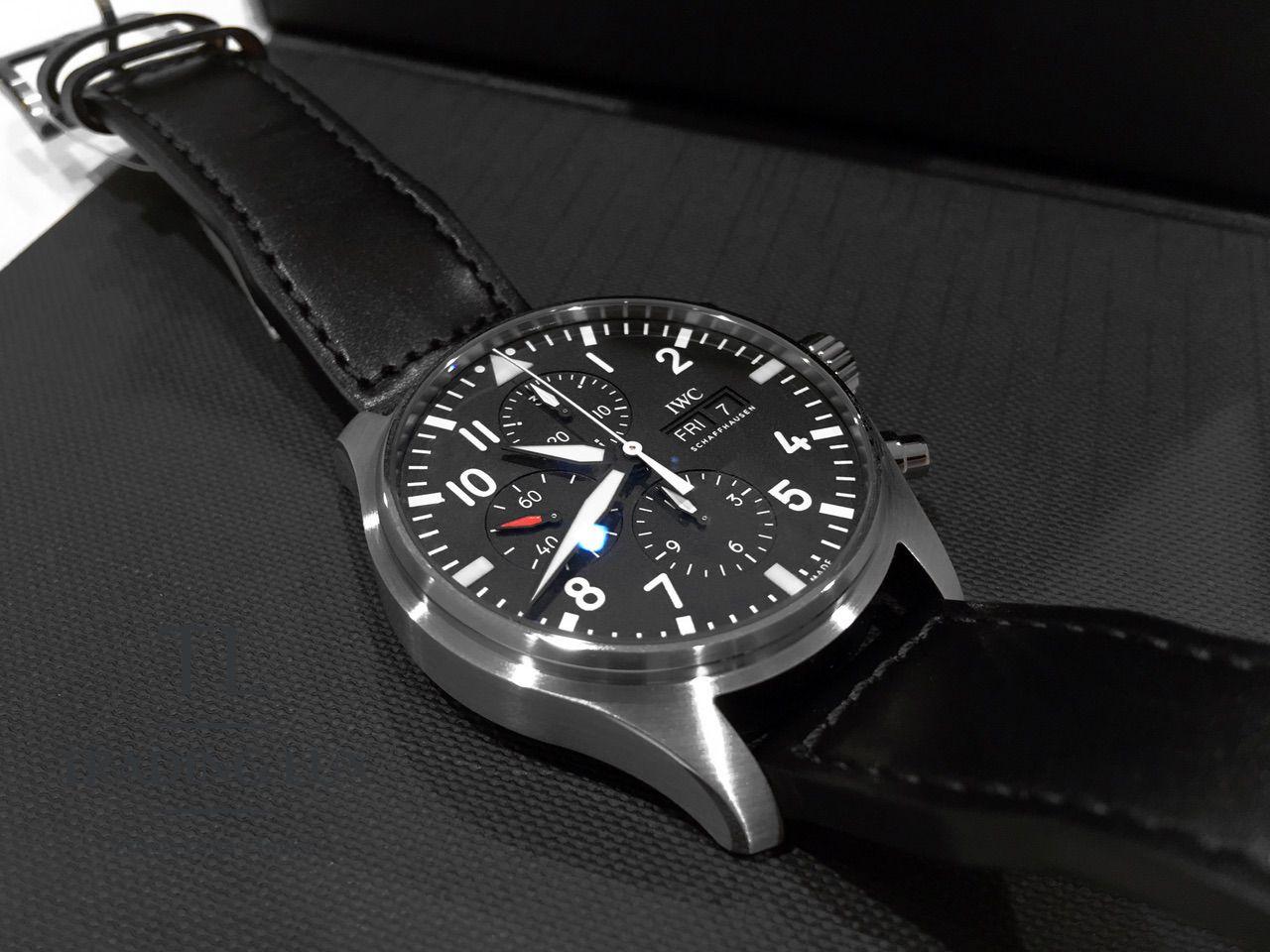 IWC-Pilot-Chronograph-IW377709-4
