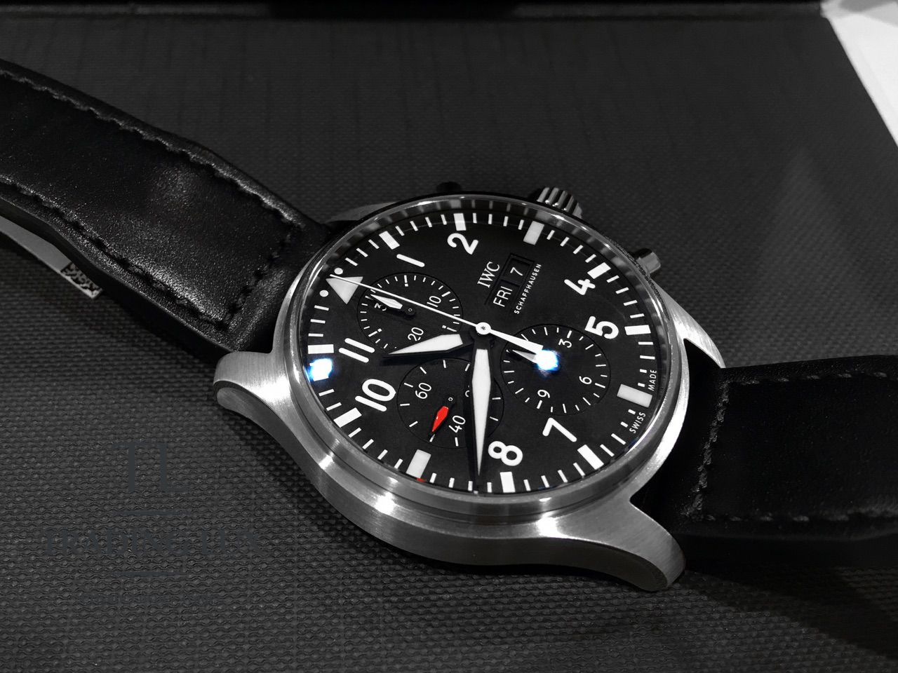 IWC-Pilot-Chronograph-IW377709-7