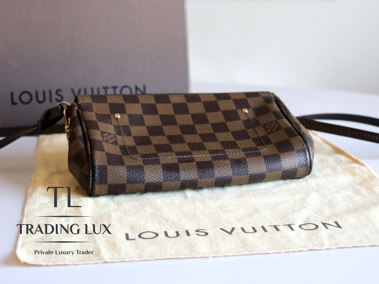 Louis-Vuitton-Favorite-10