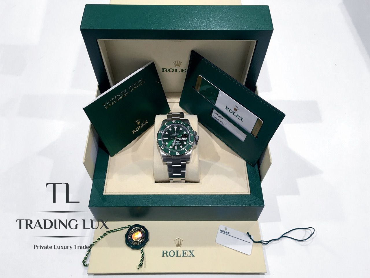 Rolex-116610LV-Hulk-7