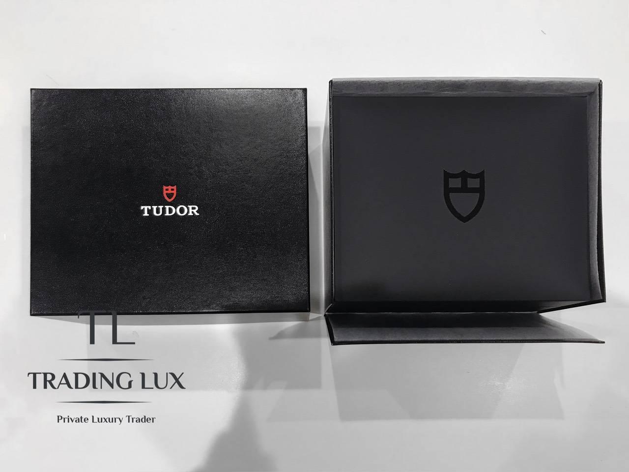 Tudor-Black-Bay-Bronze-79250BA-0