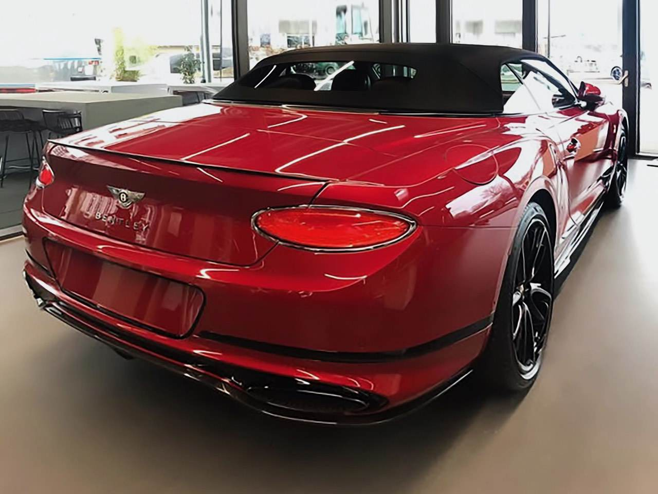 Bentley-Continental-GTC-Dragon-Red-3