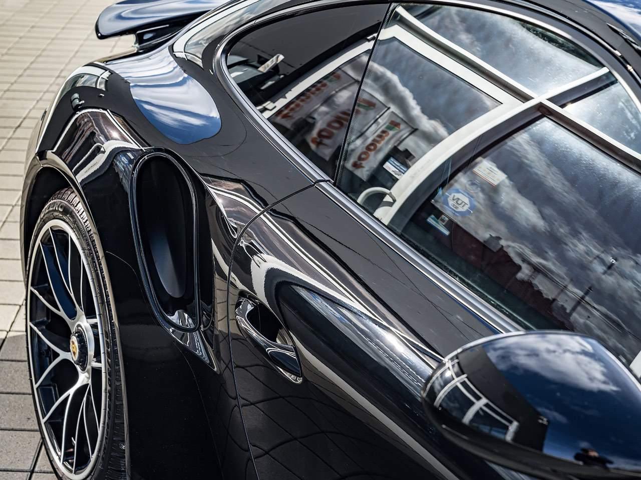 Porsche-911-Turbo-S-1