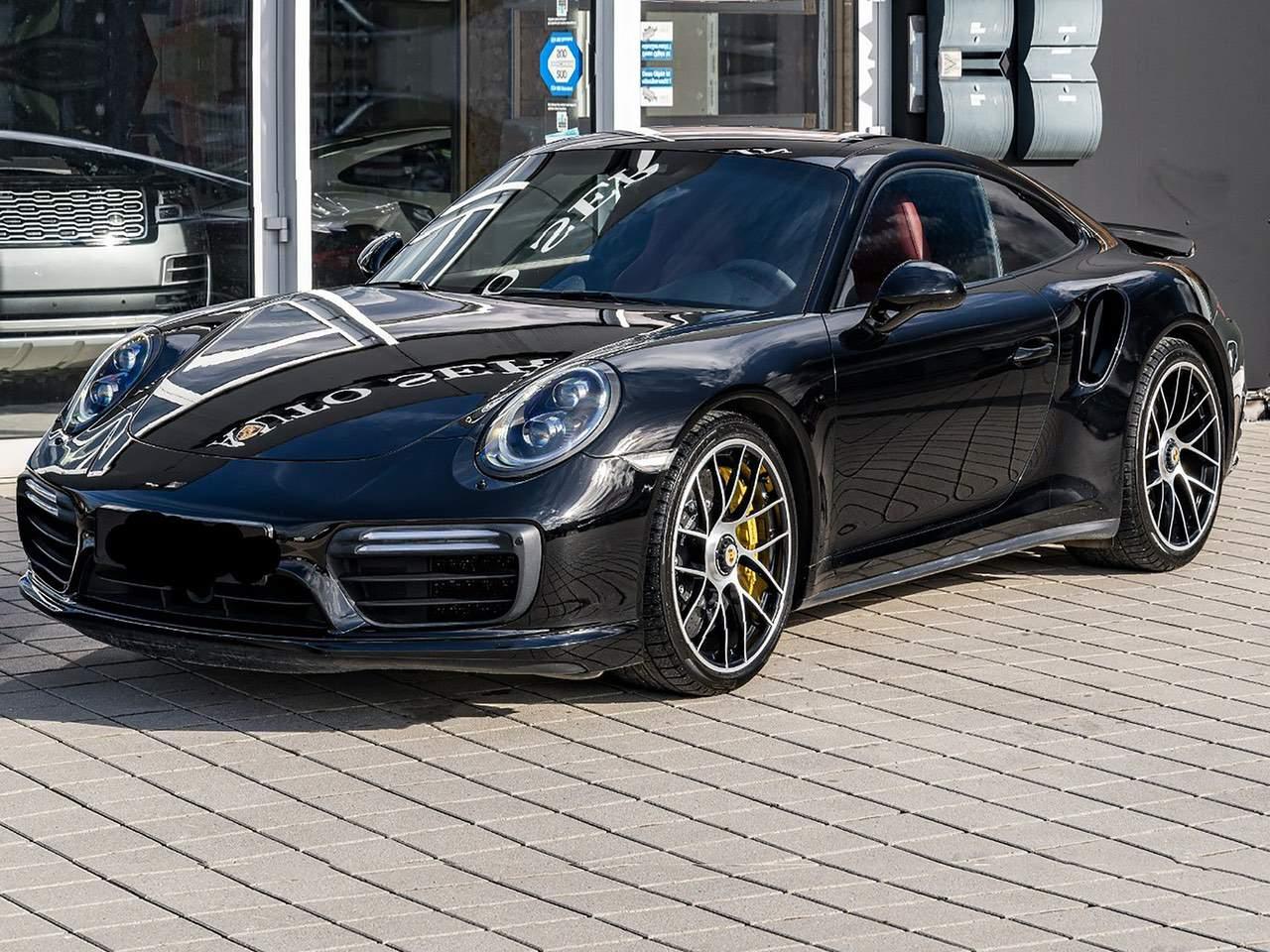Porsche-911-Turbo-S-12