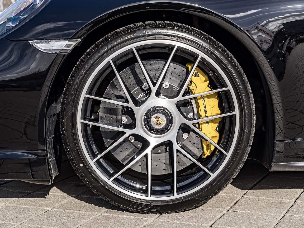 Porsche-911-Turbo-S-5