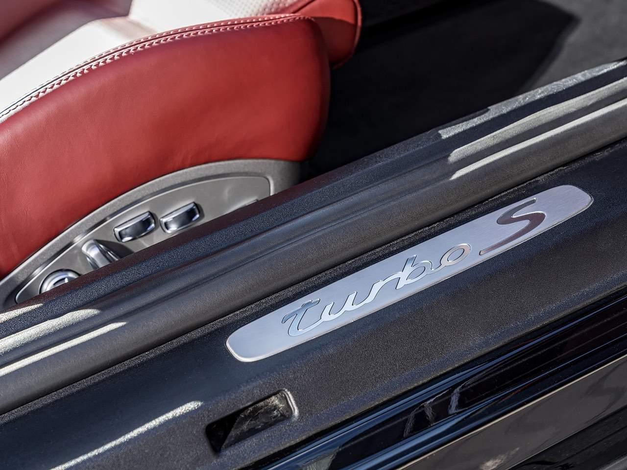 Porsche-911-Turbo-S-7