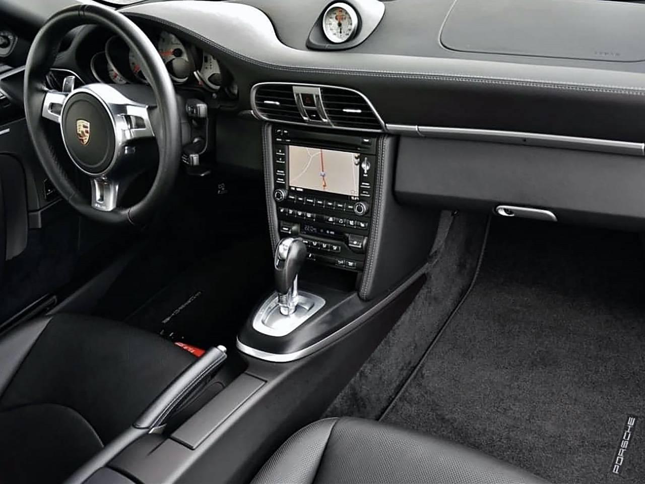 Porsche-911-Turbo-S-MKII-0