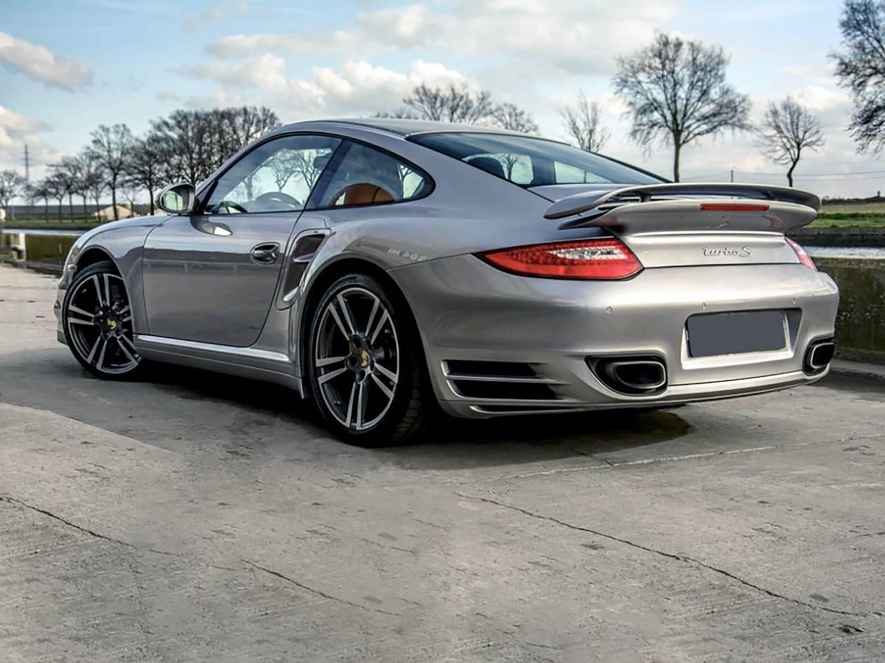 Porsche-911-Turbo-S-MKII-1