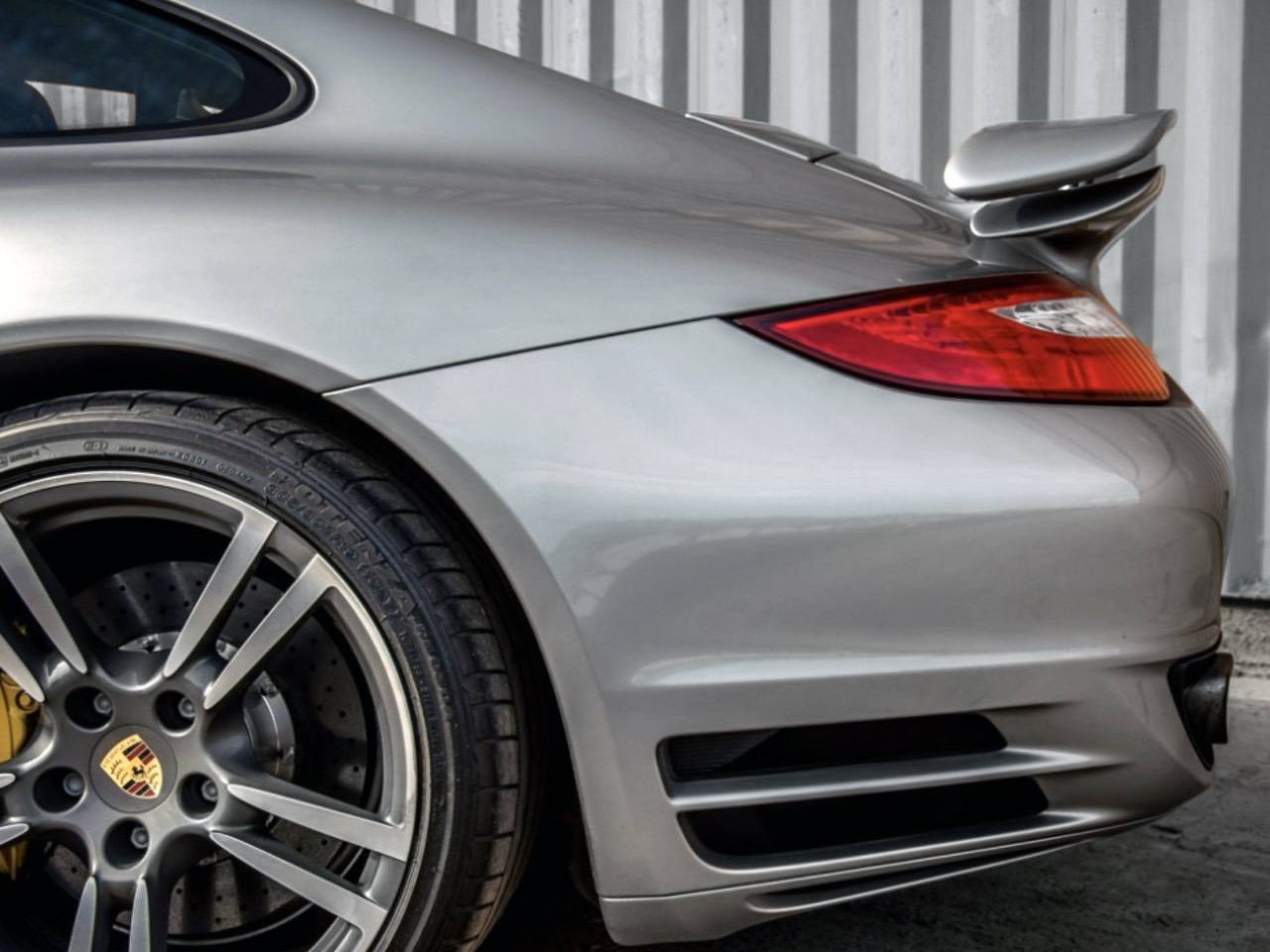 Porsche-911-Turbo-S-MKII-4
