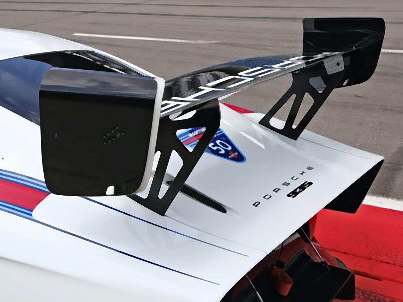 Porsche-935-Martini-Edition-5