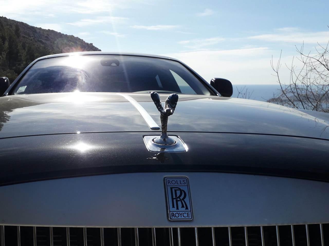 Rolls-Royce-Ghost-Black-0