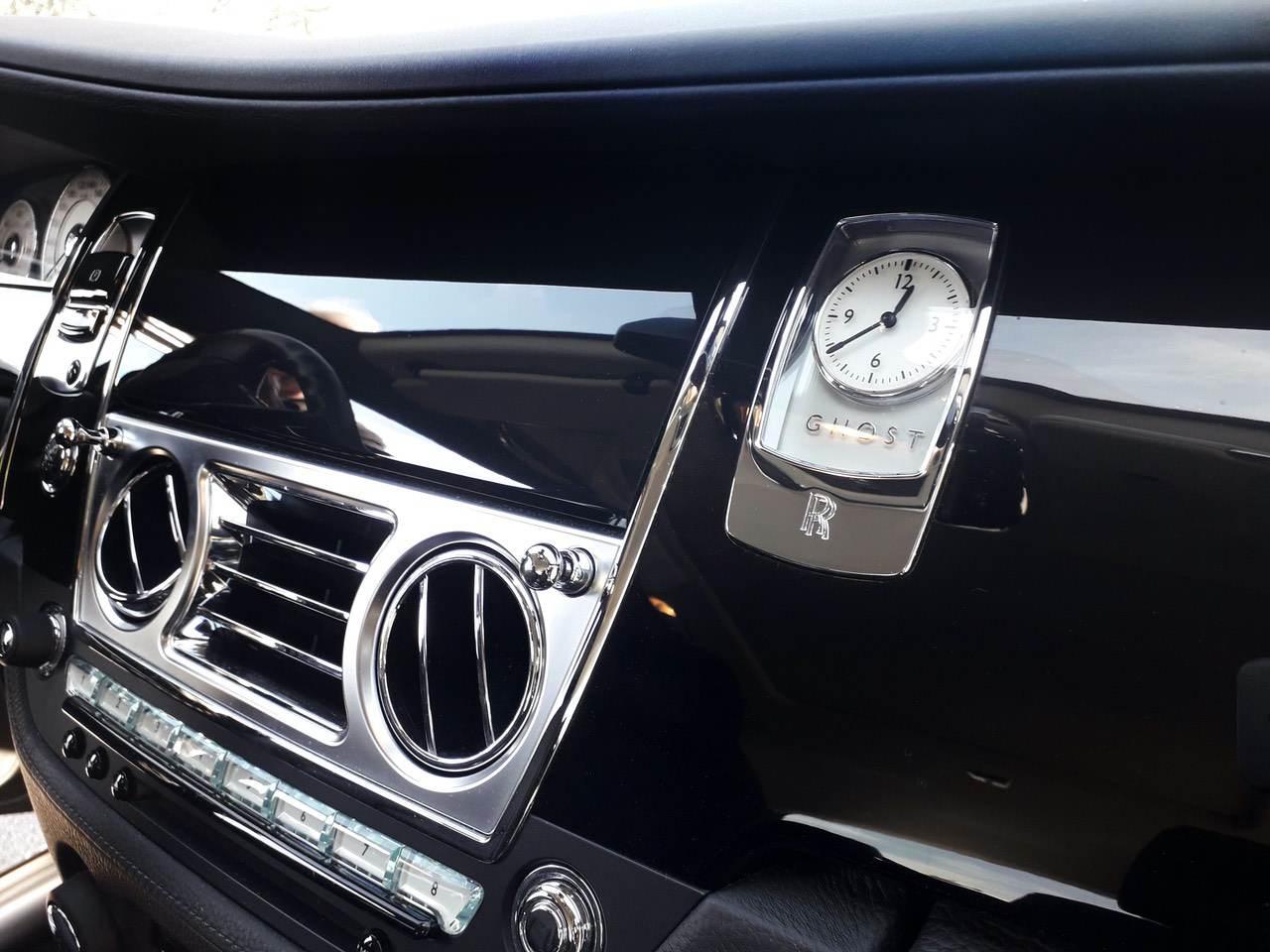 Rolls-Royce-Ghost-Black-5