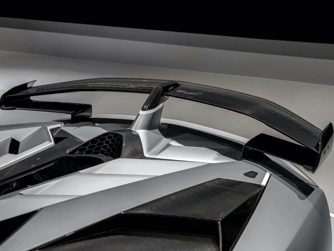Lamborghini-Aventador-SVJ-Roadster-Grey-6