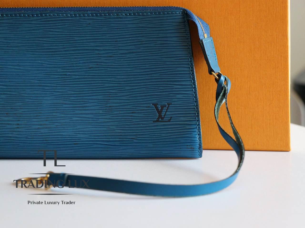 Louis-Vuitton-Noé-Blue-Epi-0