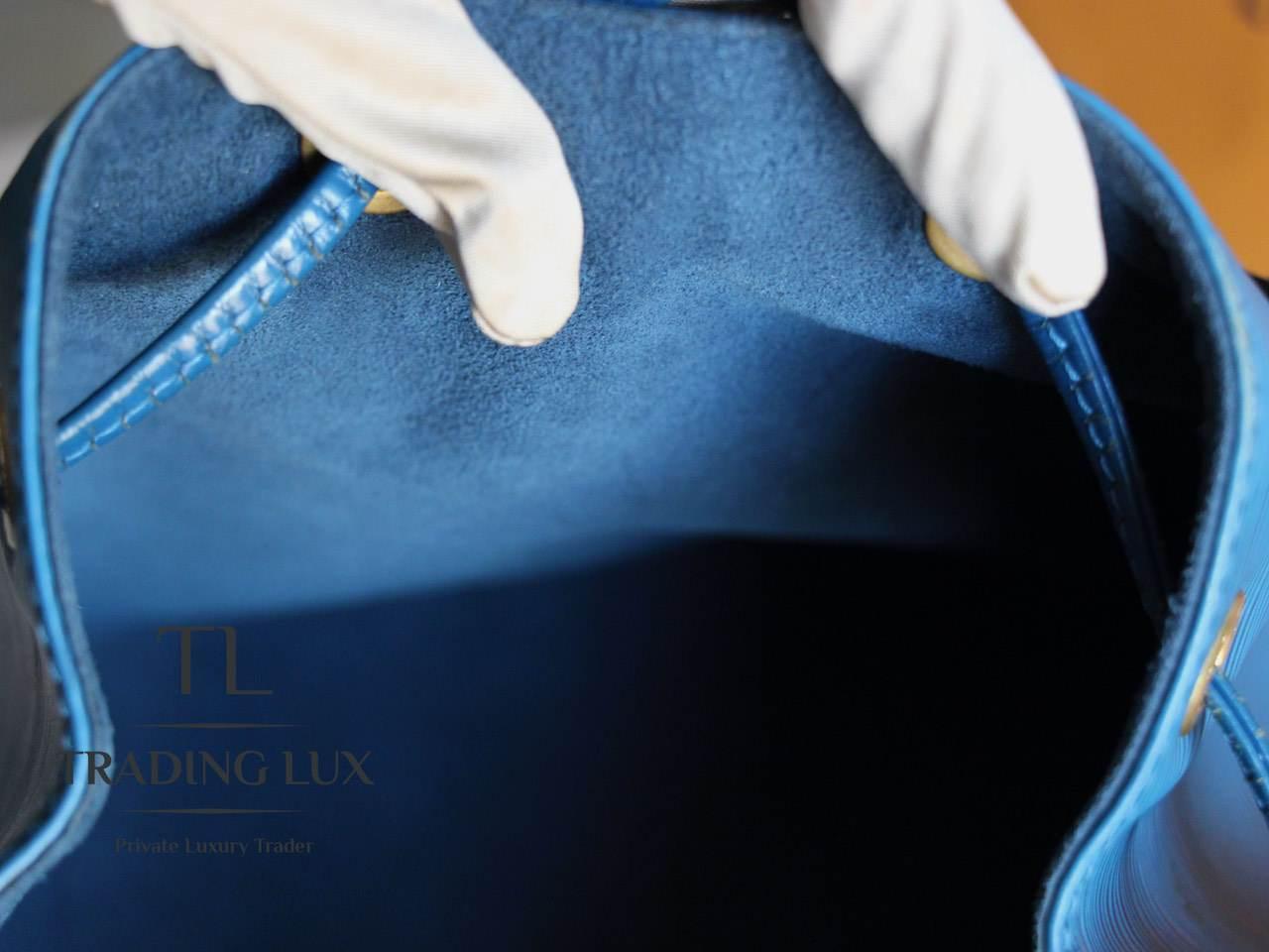 Louis-Vuitton-Noé-Blue-Epi-7
