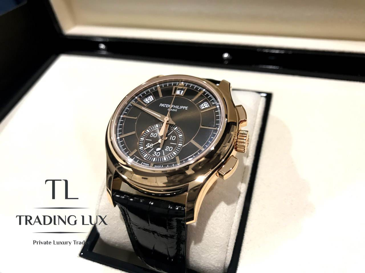 Patek-Philippe-Complications-5905R-001-9