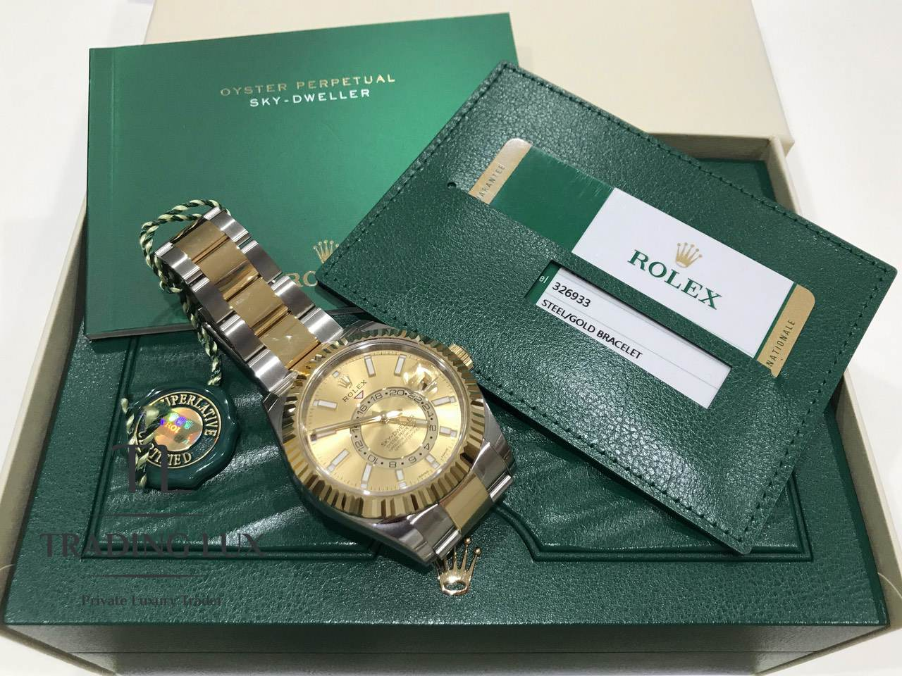Rolex-Sky-Dweller-326933-Champagne-0