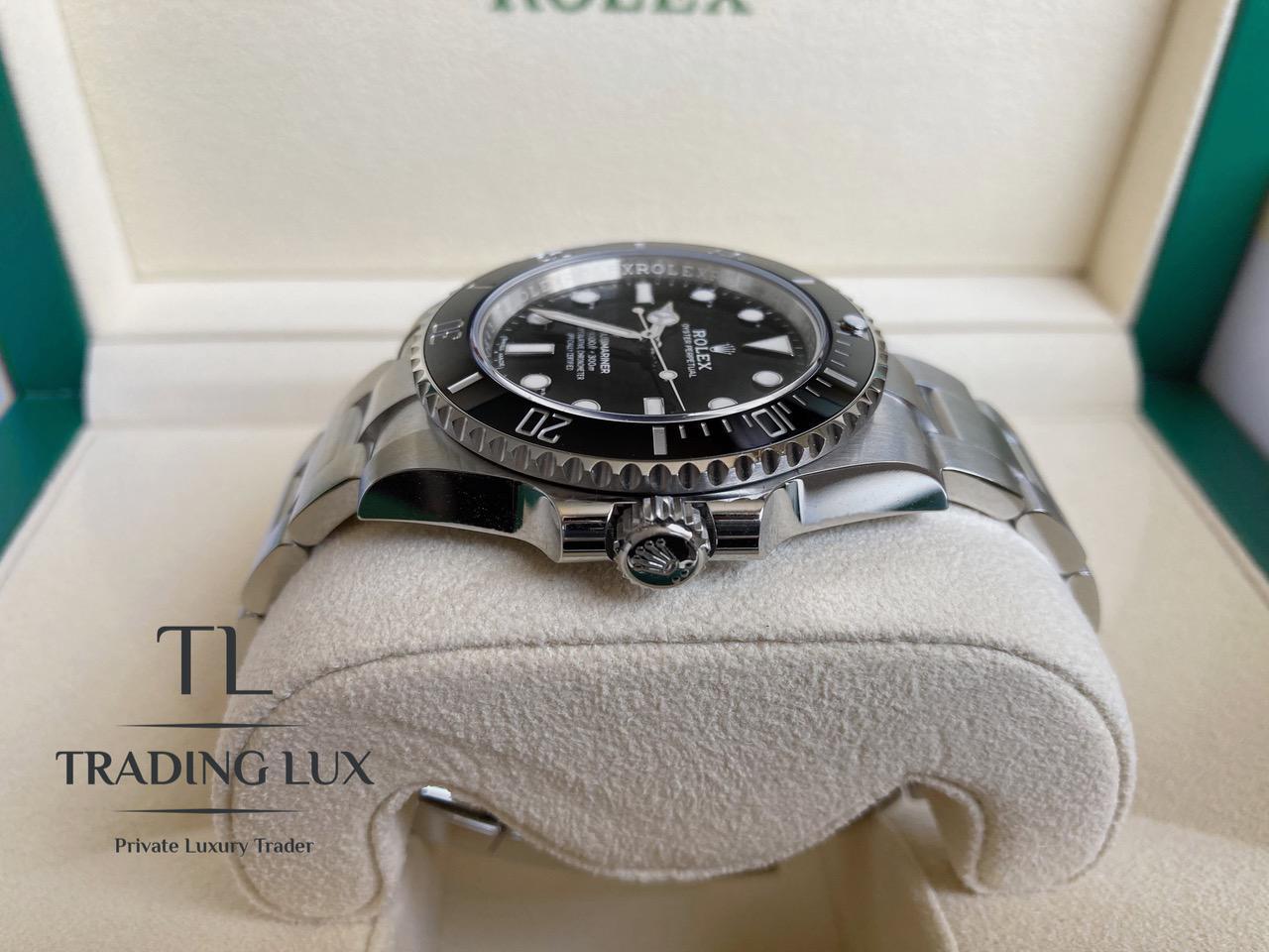 Rolex-Submariner-114060-2