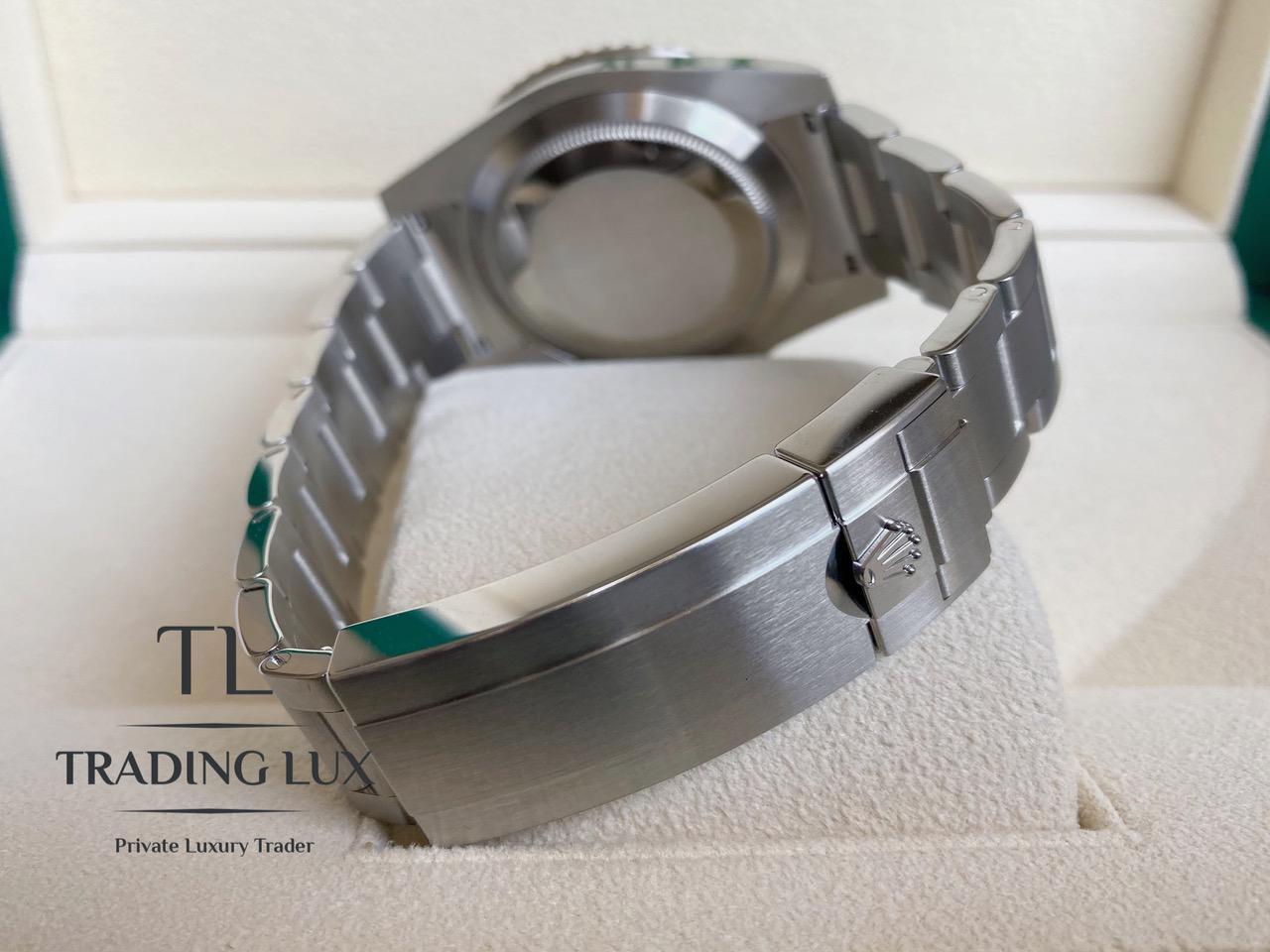 Rolex-Submariner-114060-6