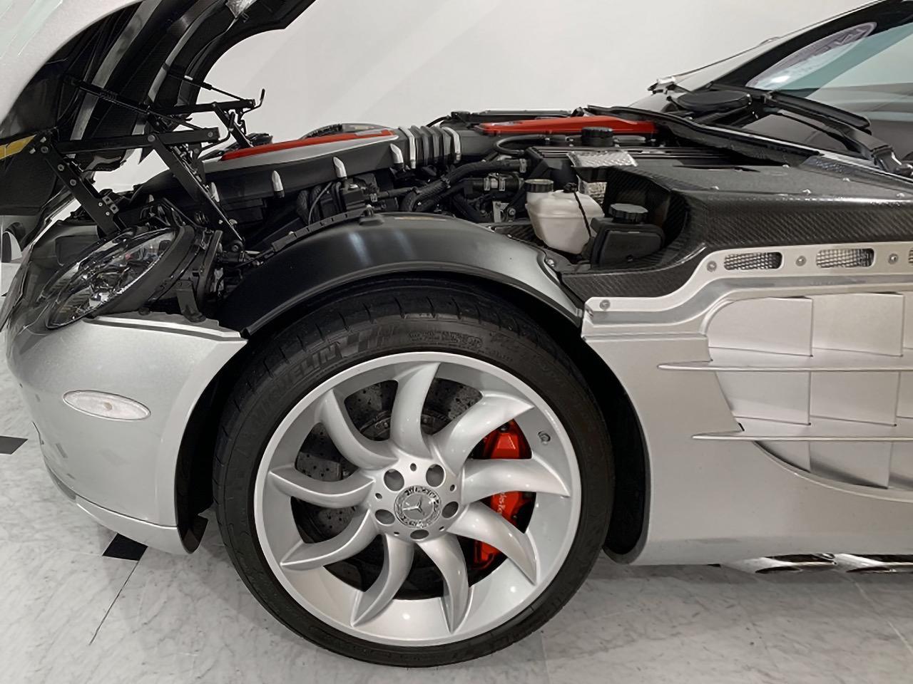 Mercedes-Benz-SLR-Roadster-55-AMG-10