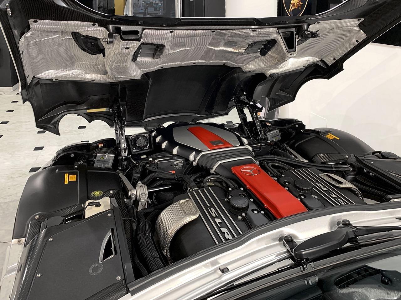 Mercedes-Benz-SLR-Roadster-55-AMG-9