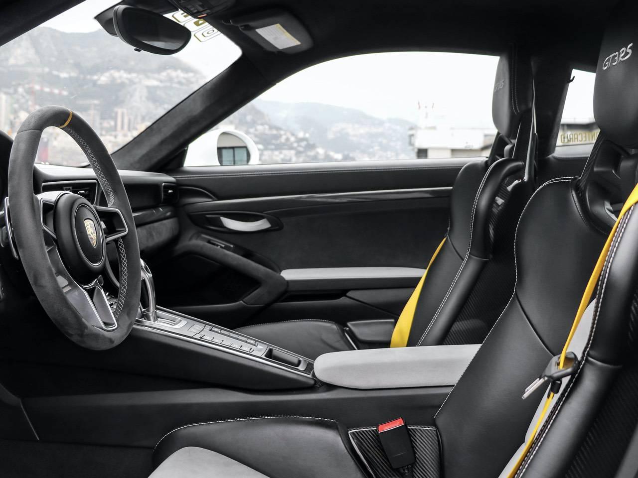 Porsche-991-Coupè-991-PDK-GT3-RS-Martini-9
