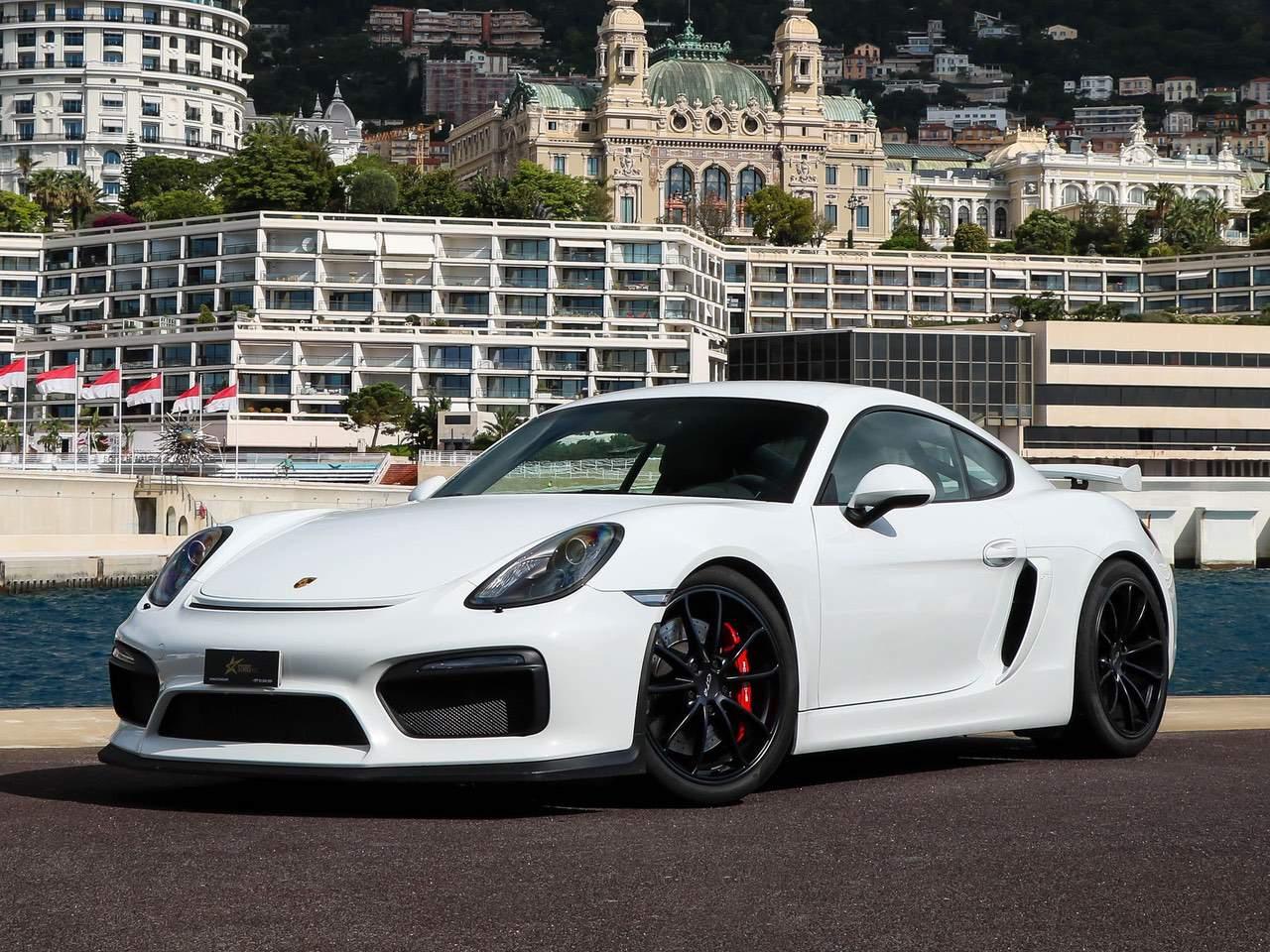 Porsche-Cayman-981-GT4-0