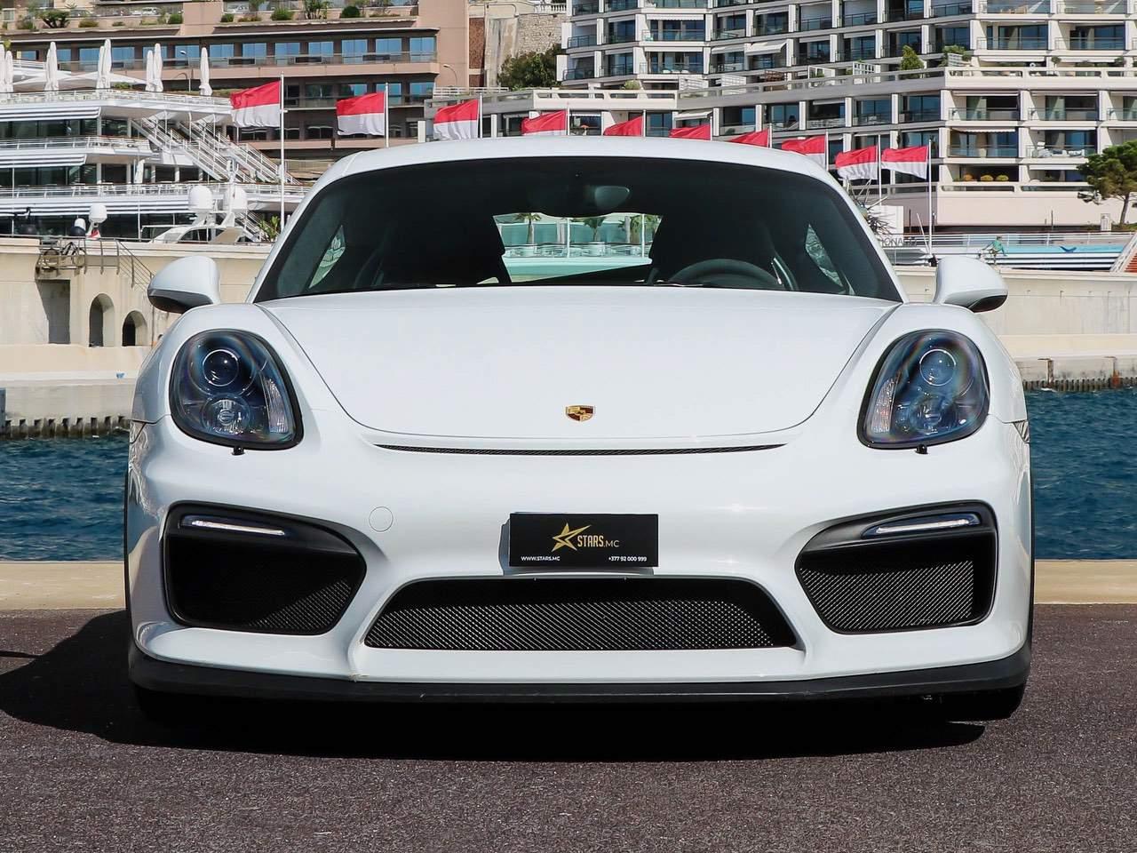 Porsche-Cayman-981-GT4-1