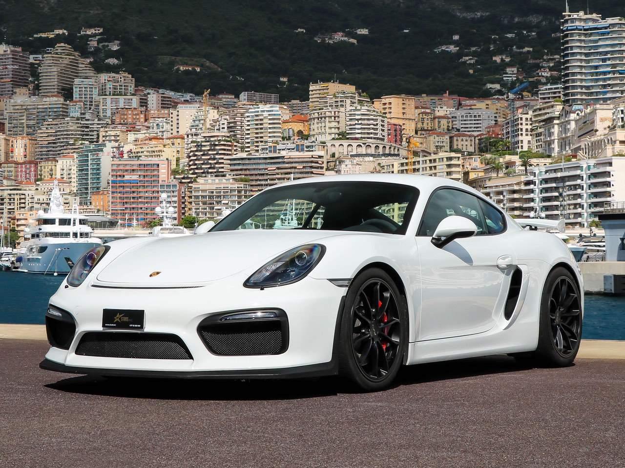 Porsche-Cayman-981-GT4-2