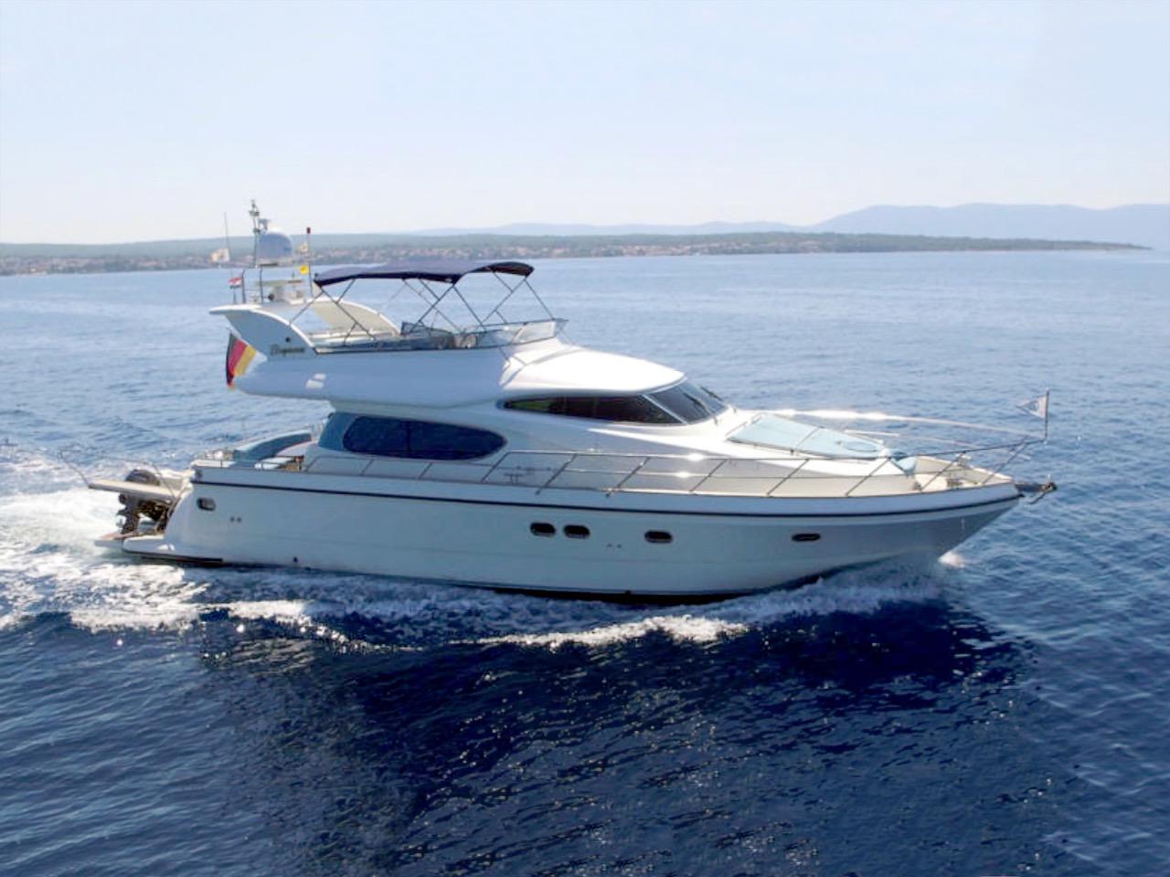 Elegance-Yachts-54-0