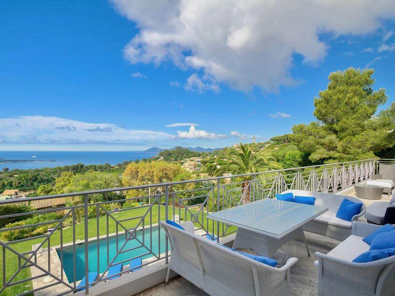 Luxury-Neo-Provencal-Villa-in-Cannes-3