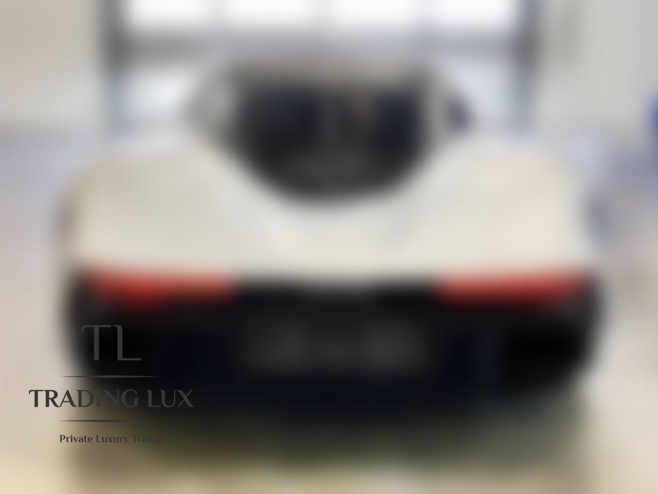 McLaren-Speedtail-2020-2